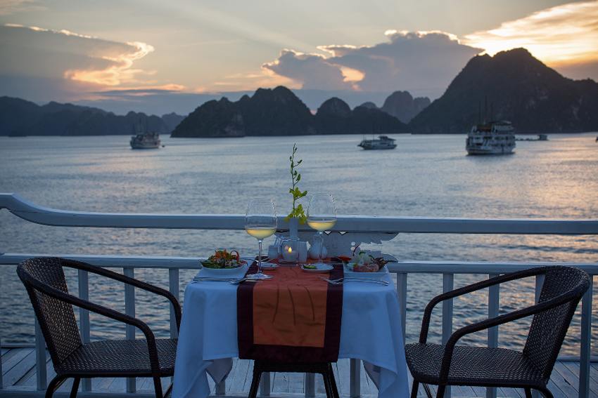 Enjoy a romantic meal on the yacht