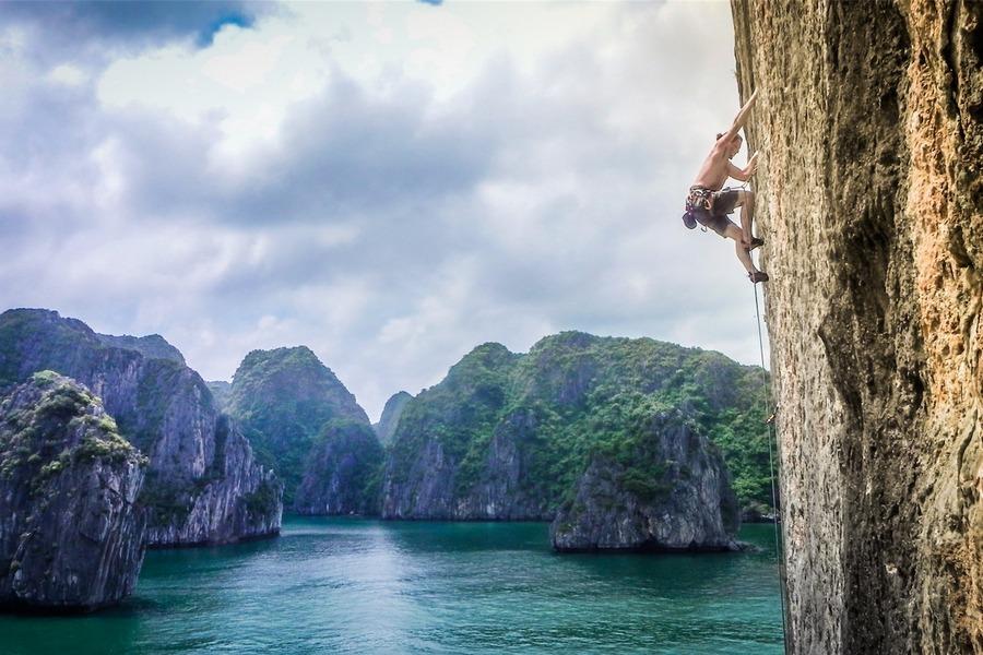 Halong Bay Climbing